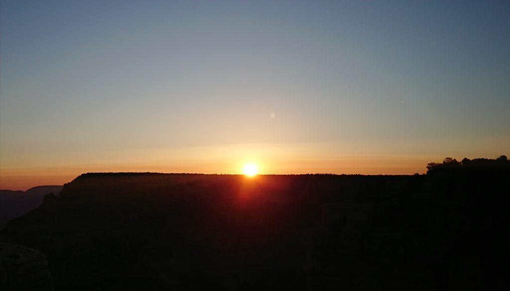 グランドキャニオンの朝日にもらった感動の朝時間