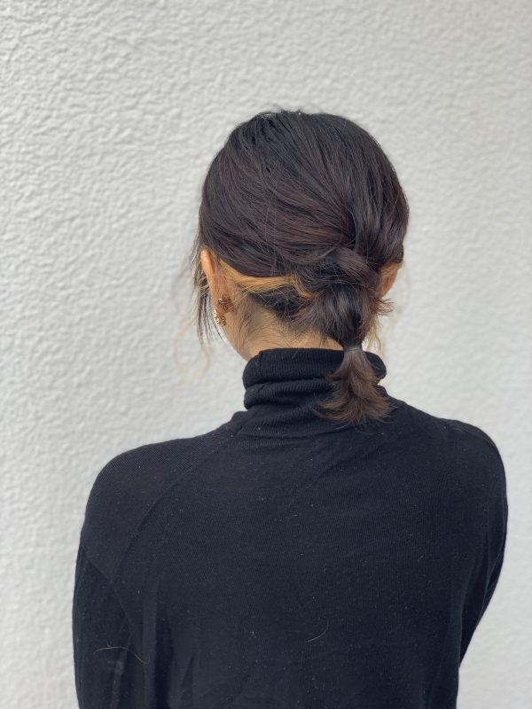 伸ばしかけボブで楽しむ「首元すっきり」簡単まとめ髪