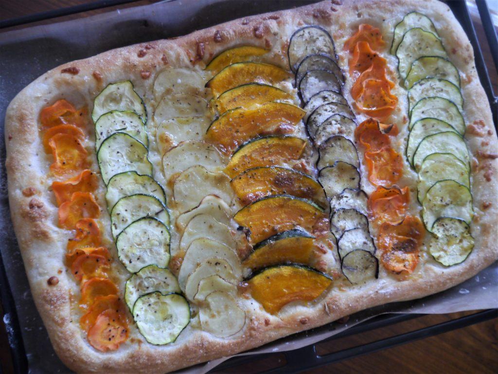 オーブンで焼いた「100gベジピザ」