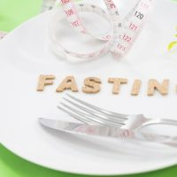 食べないのは12時間だけ!飲み会が続いた時におすすめ「半日ファスティング(断食)」