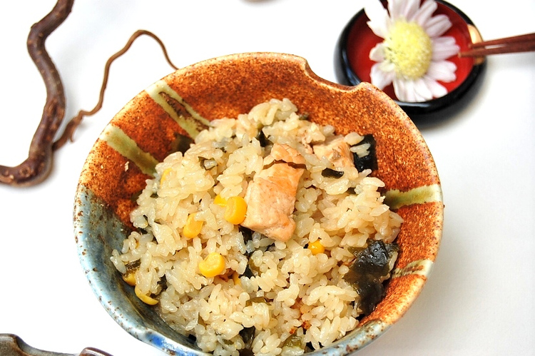 鮭とコーンの炊き込みごはん味噌バター風味 by:エリオットゆかりさん