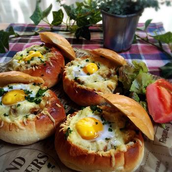 カレー2日目朝はバターロールパンで簡単!焼きカレーパン by:こっぷんかぁちゃんさん
