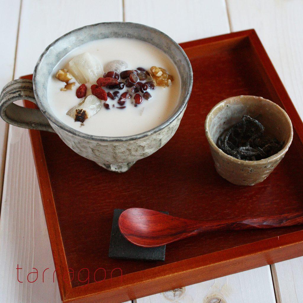寒い朝に食べたい♪10分で簡単「ココナッツミルク汁粉」