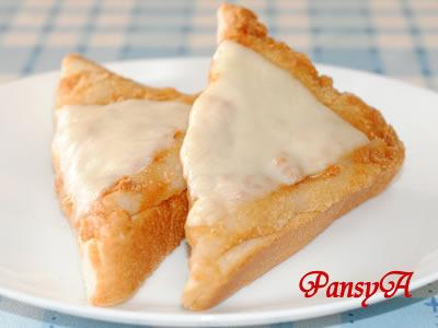きなこ餅のトースト♪チーズのせ☆ 残ったお餅で! by:パンジーAさん