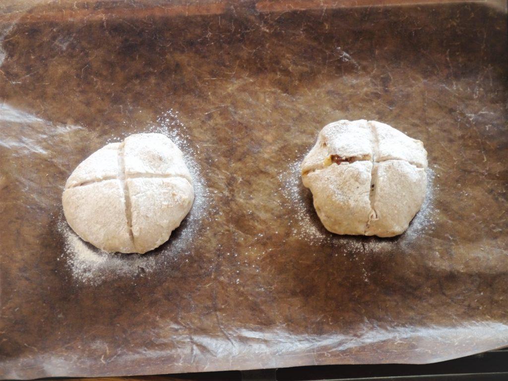 成型したいちじくくるみパン