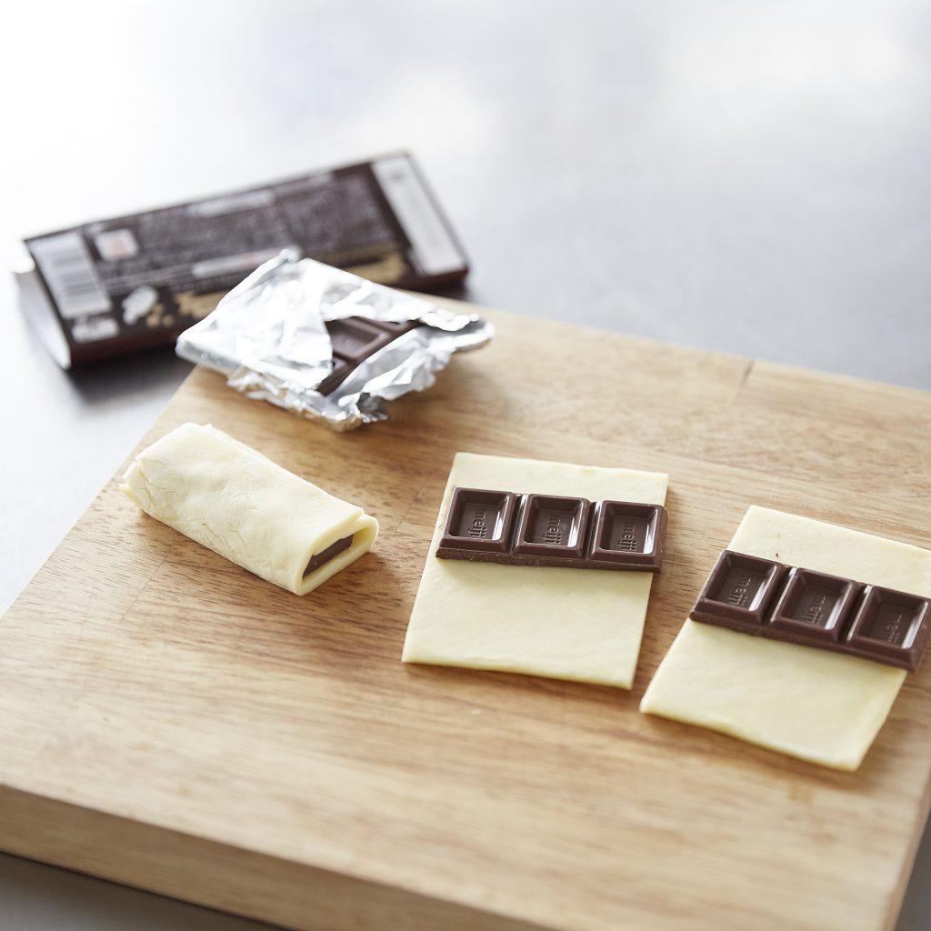 板チョコを巻いて焼くだけ「チョコクロワッサン」