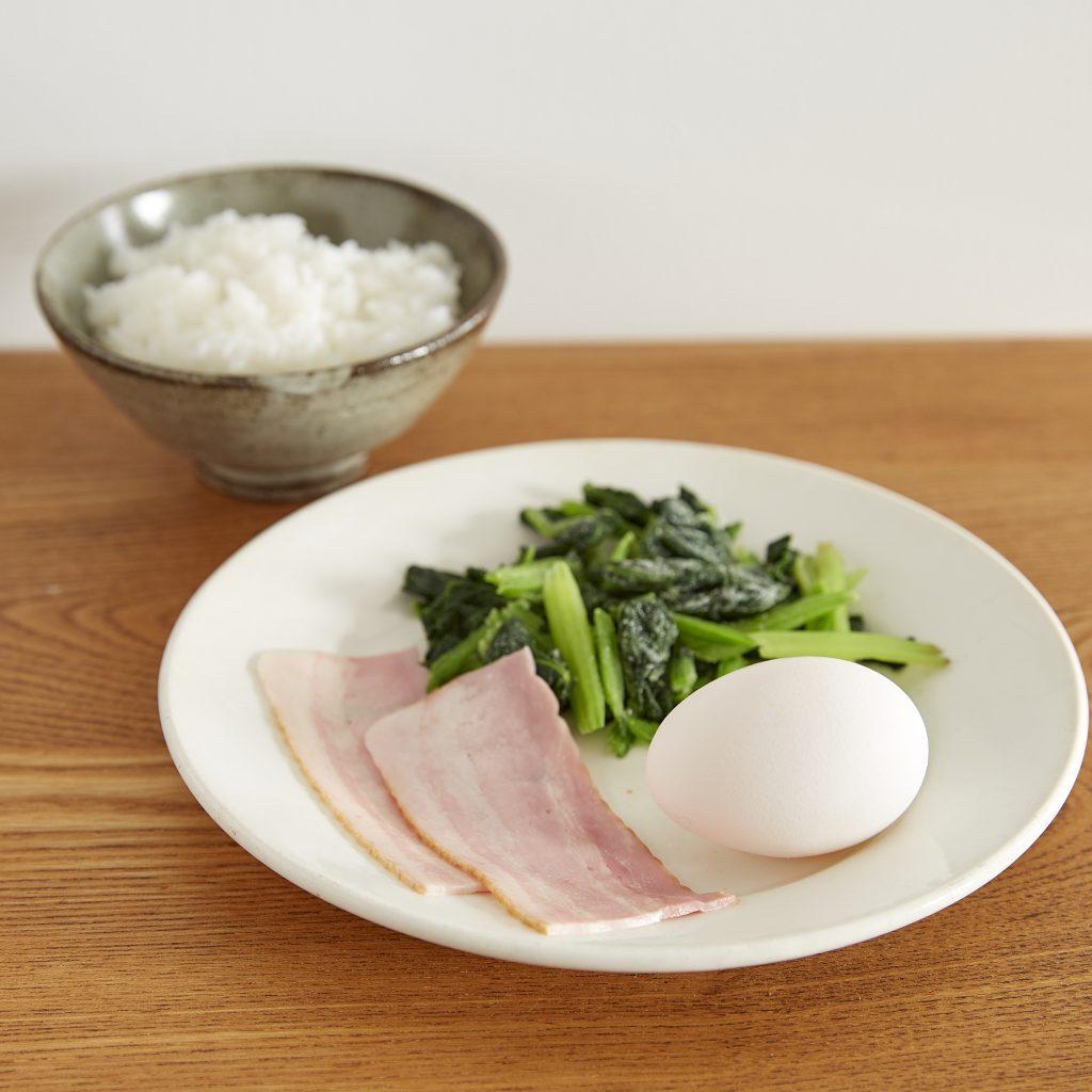 レンチンだけで簡単!バターが決め手の「卵かけご飯」アレンジの材料