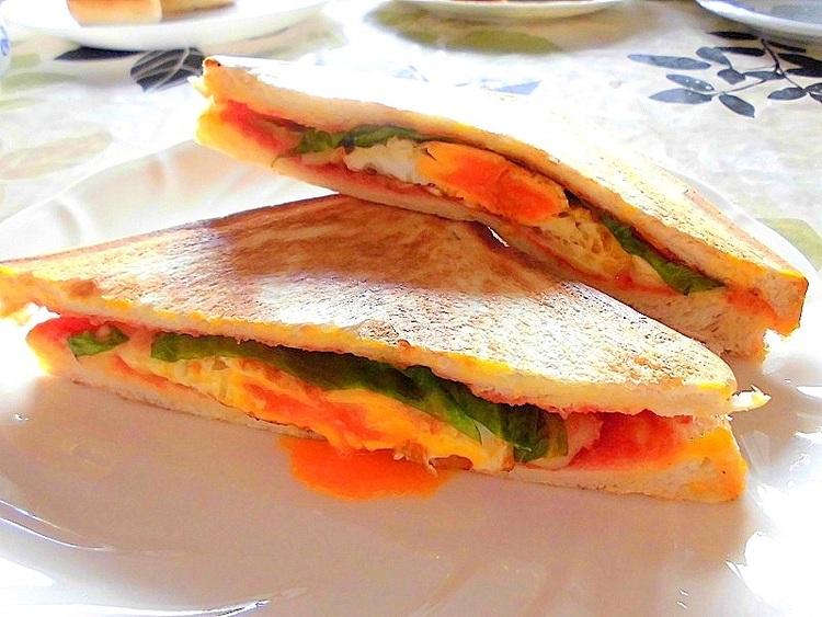 「ホットサンドイッチ」 by:アレックスさん