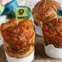 焼きそばが残ったら♪紙コップ+ホットケーキミックスで簡単「焼きそばパン」