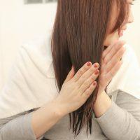パサパサ髪を解消!おうちで簡単「冬のヘアケア」3ステップ