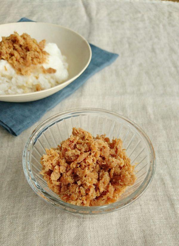 ごはんのお供やおにぎりに!簡単にできる作り置き「ツナの梅そぼろ」 by:料理家 村山瑛子 さん