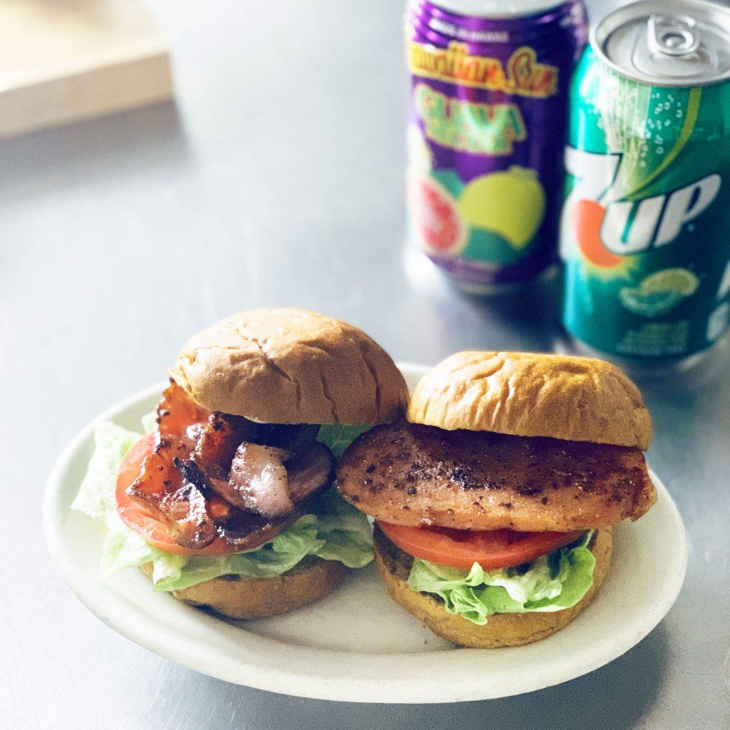 映画『ホノカアボーイ』を観ながら食べたい♪甘いパンで作る「BLTサンド」