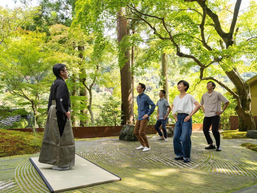 星のや京都「新緑の青空狂言」