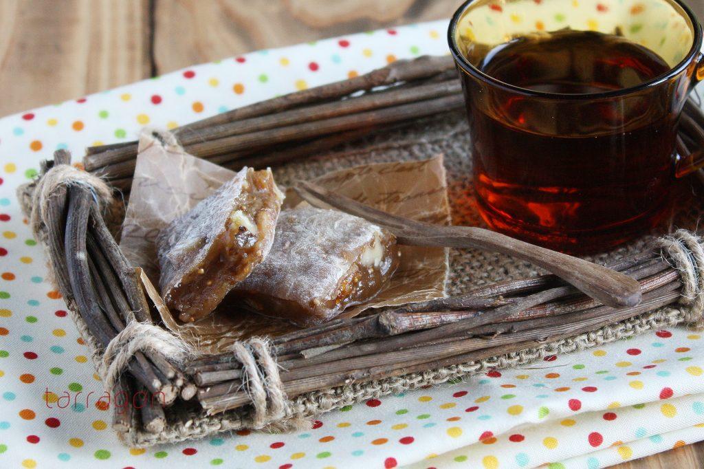 レンジ10分で和菓子ができちゃう!もっちり美味しい「ドライフィグとくるみのゆべし」