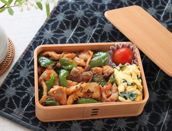 ご飯がすすむー!10分で絶品「鶏とピーマンの味噌炒め丼」弁当 by:料理研究家 かめ代さん