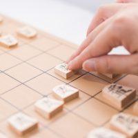 将棋の「駒」を1単語の英語で言うと?