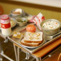 盛り上がること間違いなし!?懐かしの給食が食べられる居酒屋「6年4組渋谷分校」
