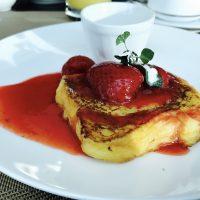 苺のフレンチトーストを召し上がれ♪点心も必食◎ ホテル朝食☆【コンラッド東京】