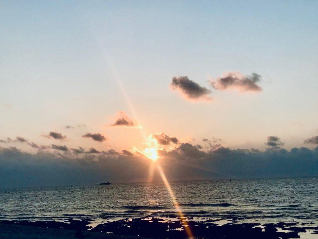 竹富島の朝日