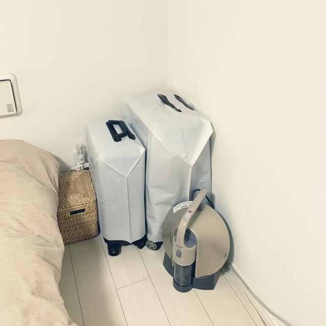 ここに置いてみるのもアリ!?邪魔になりがちな「スーツケース」の置き場所