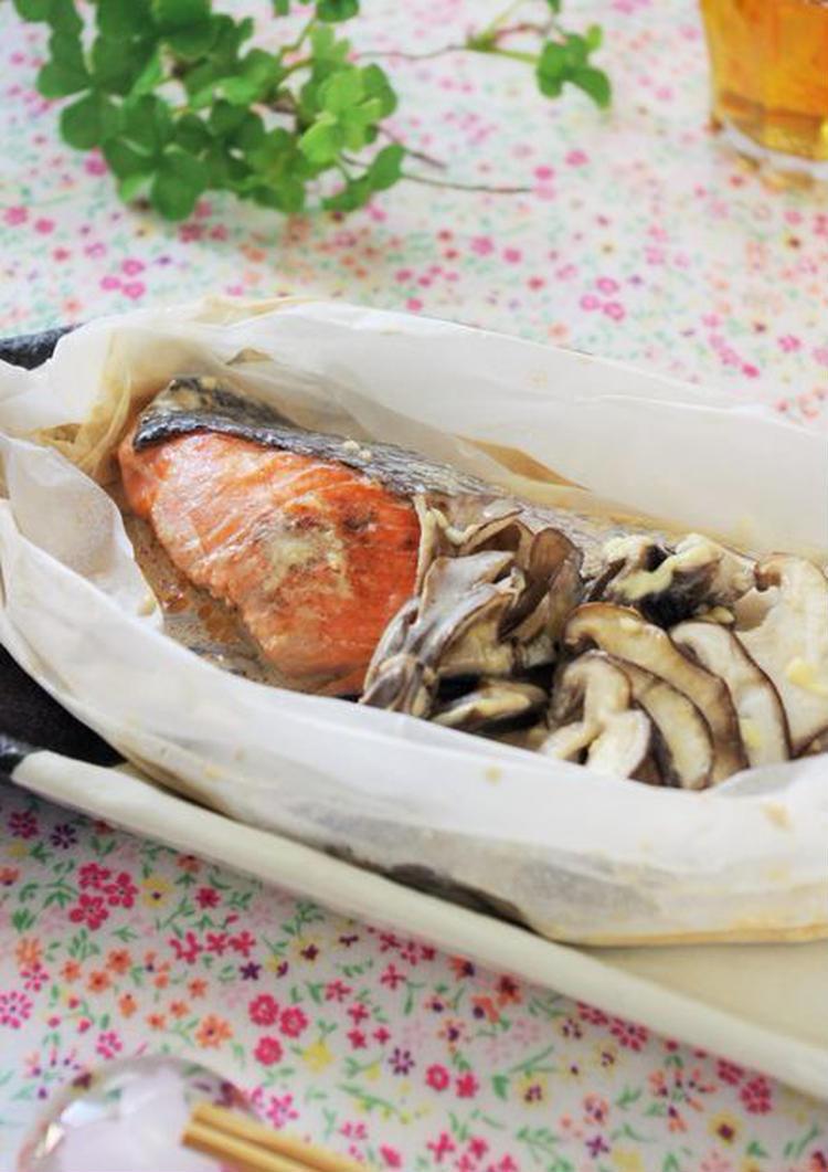 レンジで2分!サーモンの紙包み焼き 醤油クリームソース by:高羽ゆきさん