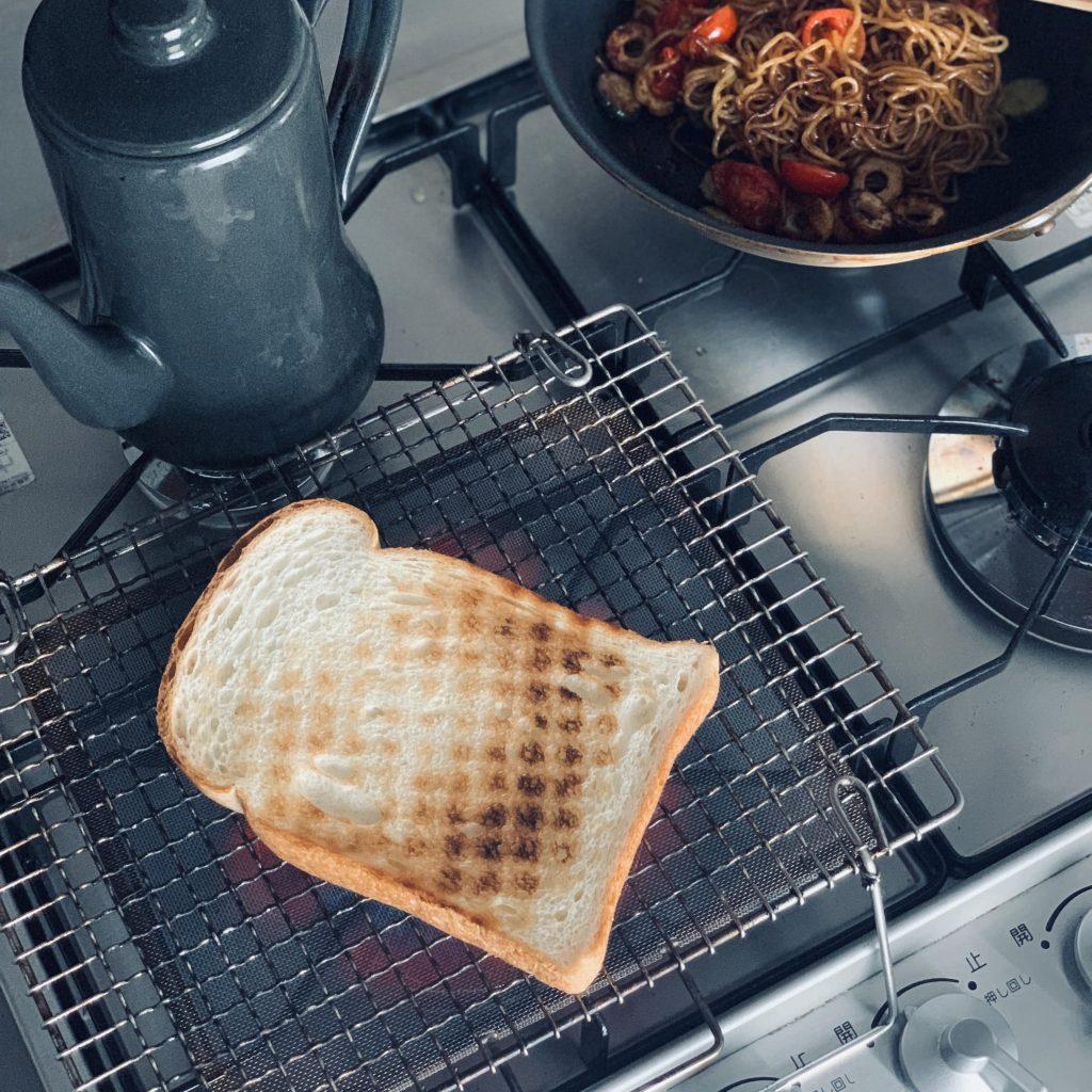 簡単「焼きそばパン」