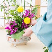いけばなに使う「花器」を1単語の英語でいうと?
