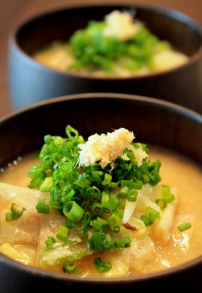 朝のパワーフード、酒粕&おから入りのお味噌汁。 by:薬膳師ゆりぽむさん