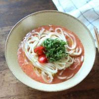 夏の朝はひんやりつるっ!「冷凍トマト」でつくるガスパチョ風うどん