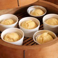 レンジでもできちゃう♪優しい甘さの簡単「バナナたまご蒸しパン」
