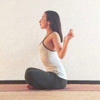 3回深呼吸するだけ♪肩こりがラクになる「肩甲骨体操」