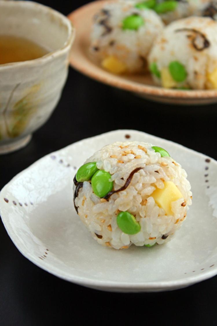 枝豆と塩昆布チーズのおにぎり by:sueさん