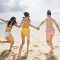 「水着」って何て言う?夏の海で使える英語フレーズ5選!