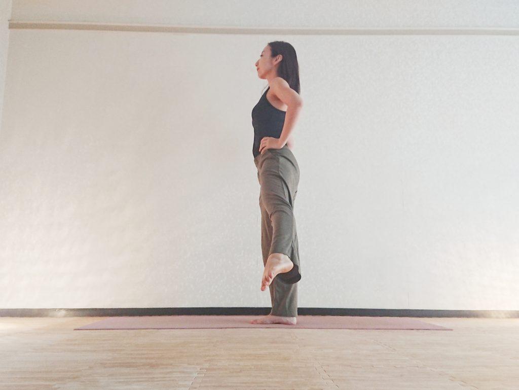 立ったまま簡単♪楽しみながら体幹を鍛える「バランスメドレー」