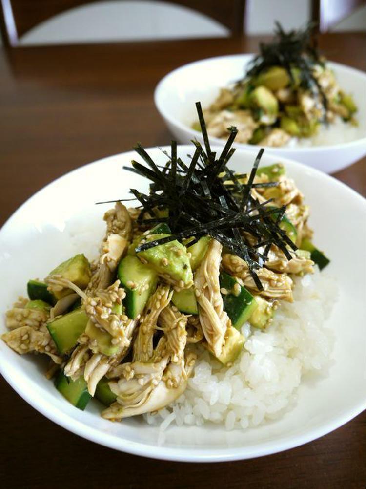 鶏ささみのアボカドときゅうりの和風サラダ丼ぶり♪ by:bvividさん