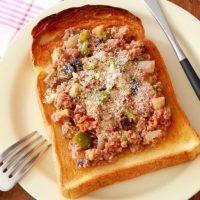 のせて焼くだけ!栄養たっぷり「夏野菜×トースト」簡単レシピ5つ