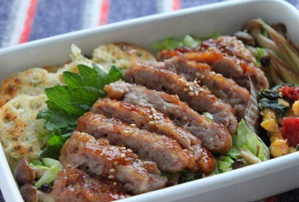 ガッツリ!男子弁当に♪「豚こま肉のステーキ!しょうが焼き味」弁当 by:料理研究家 かめ代さん