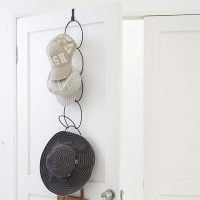 かさばる帽子やストールの収納に!取り出しやすい「ジョイントハンガー」