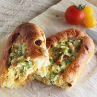 トーストに飽きた朝に!お手軽「パン」アレンジレシピ5選