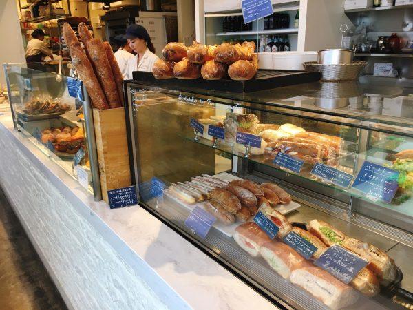 【原宿】ヘビロテしたくなる!フランスの息吹を感じるパン食堂「レフェクトワール」