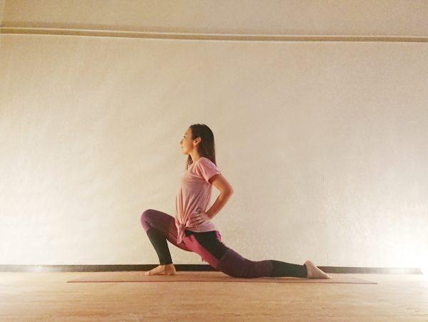 腰痛予防に◎!インナーマッスルを伸ばす「腸腰筋ストレッチ」