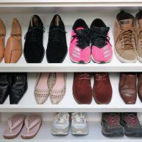 掃除に便利な〇〇が活躍!気になる「靴」のニオイを和らげるヒント