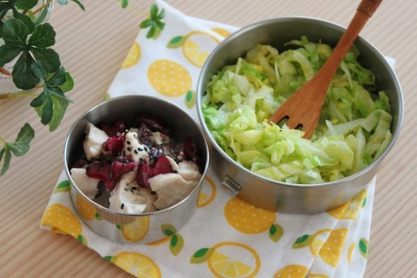 ダイエット中のイチオシ弁当!レンジで簡単「ささみサラダ&キャベツ麺」 by:料理研究家 かめ代さん