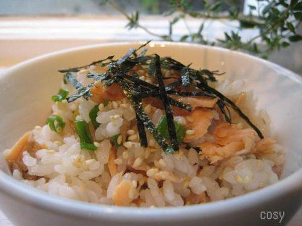 鮭の簡単混ぜ寿司 by:イクコさん