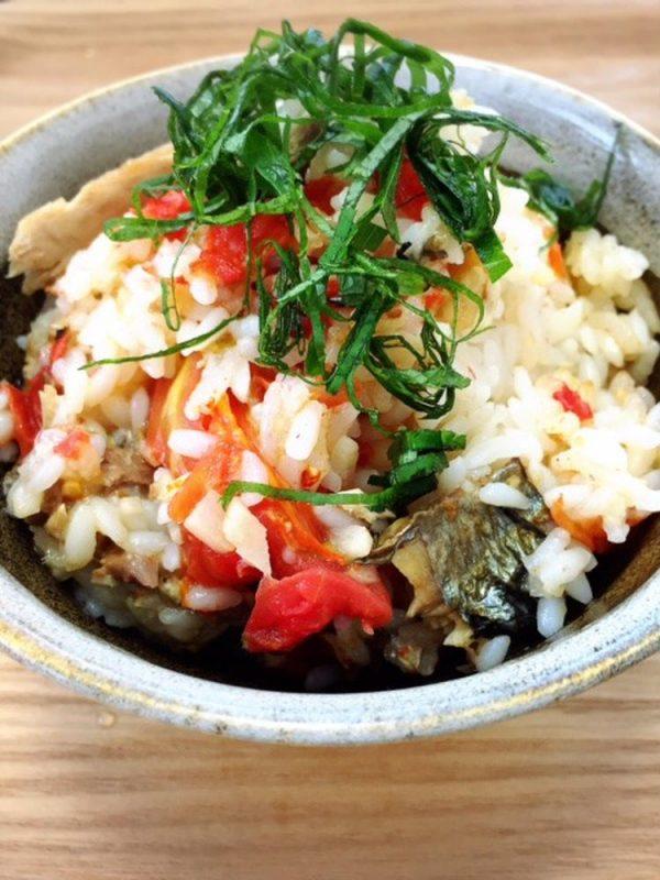 秋刀魚とトマトの炊き込みご飯 by:食の組み合わせ薬膳料理研究家きょんちーさん