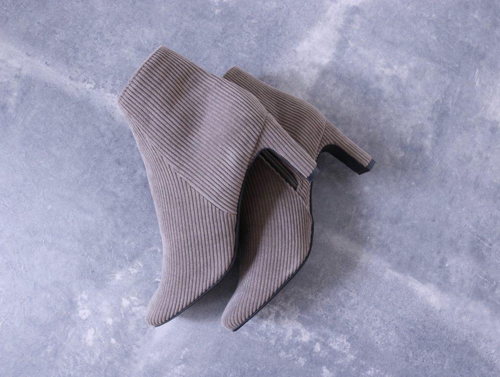 コーデュロイのブーツ