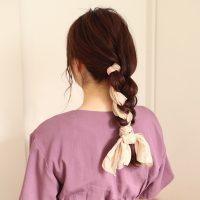 編むだけで可愛さUP!簡単おしゃれな「スカーフ」ヘアアレンジ術