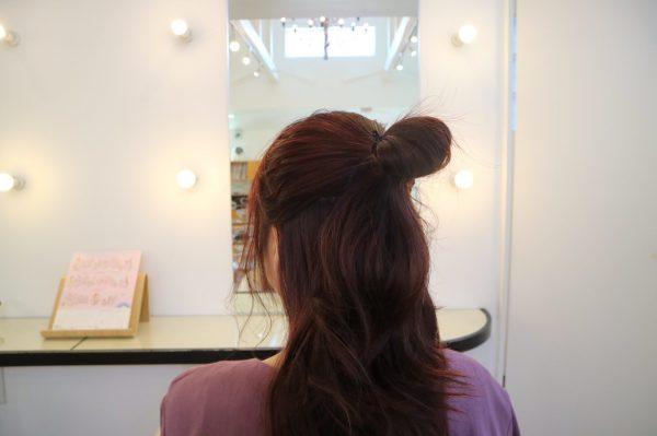 暖秋のお出かけにぴったり♪首元すっきり簡単まとめ髪