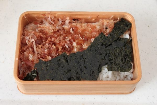小鍋とレンジで簡単!「えのき鶏そぼろ+にんじんしりしり」2品弁当