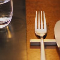 夜遅くなる日の食事で気を付けたいことは?快眠のための食事法